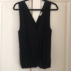 Joie Black snap front and back closure tank